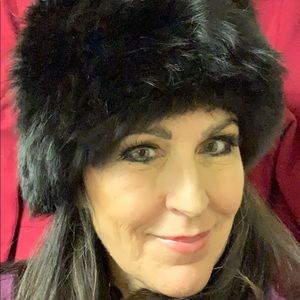 NWT Real BLACK fox fur BEEHIVE STYLE hat